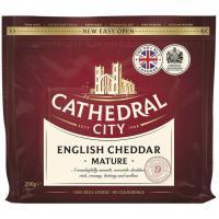 Queso curado Cheddar CATHEDRAL CITY, taco 200 g